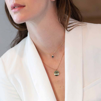 Collier Carly